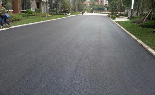 四川沥青路面设计与施工简介