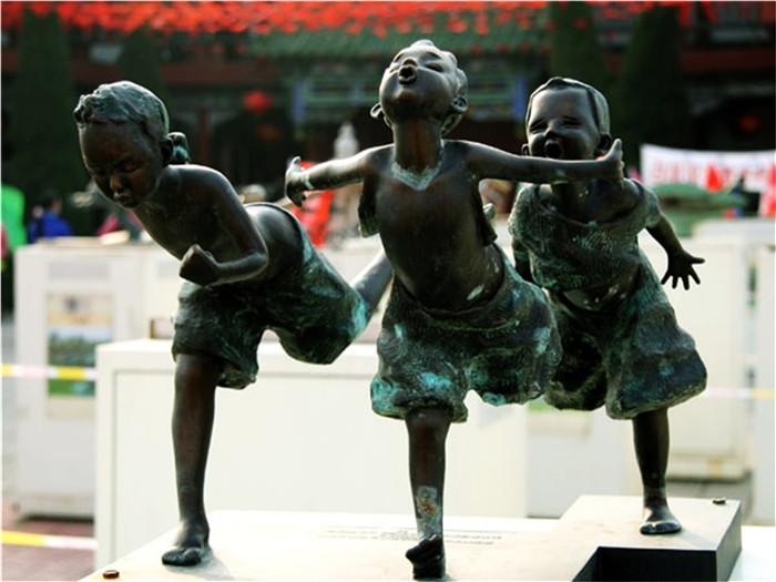 浅谈校园雕塑的重要性