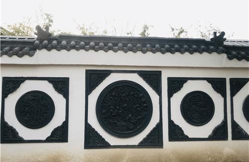 为客户设计的古幕景观墙