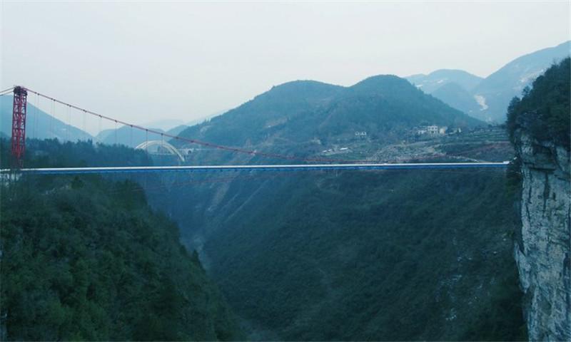 甘肃石油管道跨越悬索