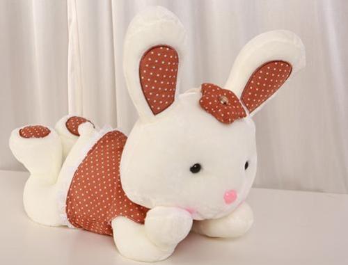 兔子毛绒玩具