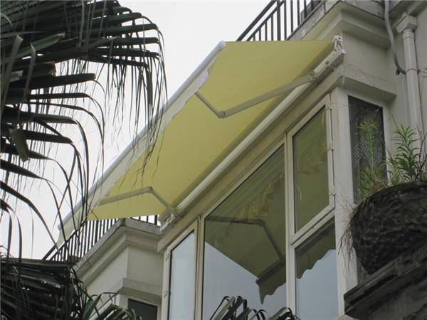 西安伸缩雨棚-西安白色烤漆链条手臂豪华篷价格