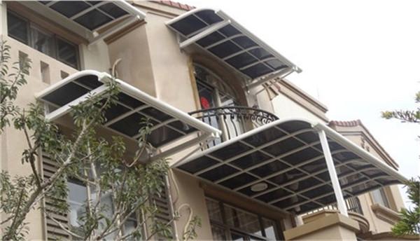 西安玻璃雨棚-PVC膜材料膜布具有强度高的特点