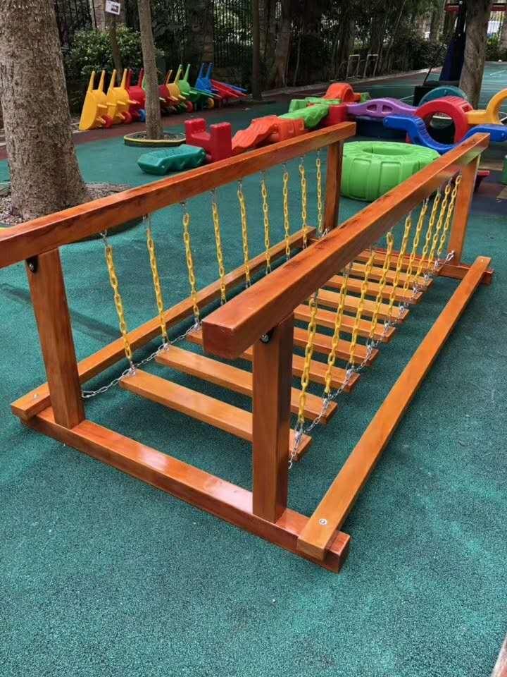 幼儿园户外玩具-木质玩具展示
