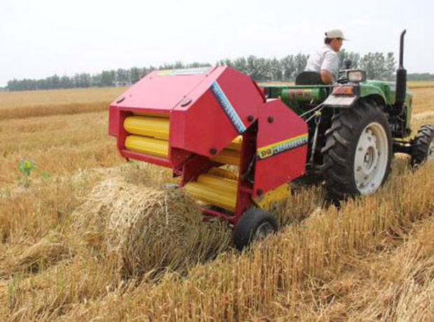 小麦秸秆打捆