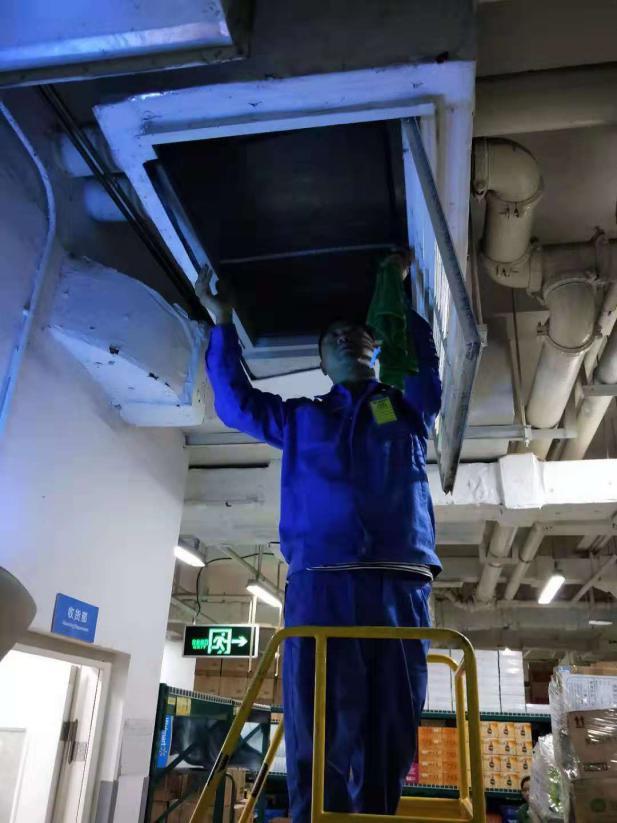润本浅析四川中央空调清洗不干净的危害以及风道清洗方法
