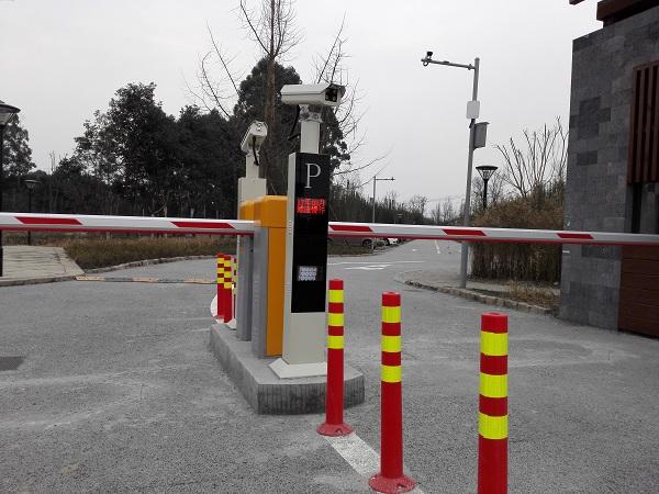 四川新津车牌识别系统安装案例