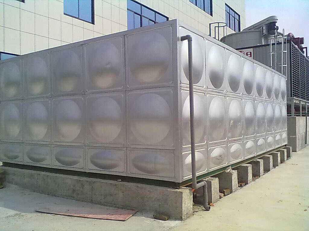 为什么我们要选择不锈钢水箱设备?西安供水厂家?