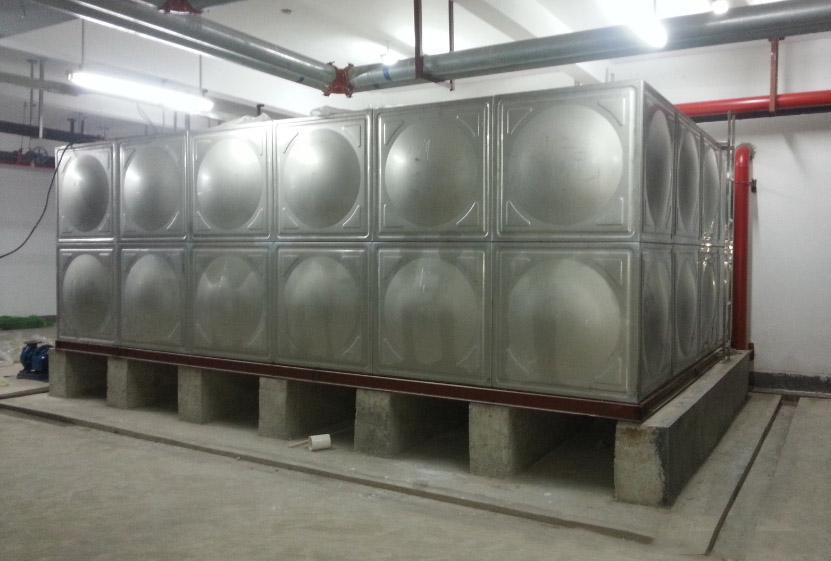 西安水箱厂家那家好?西安水箱厂家的优势有哪些呢?