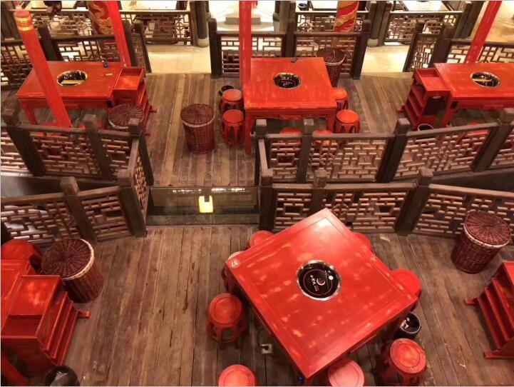 今天四川火锅桌厂家与你推荐这三种材料