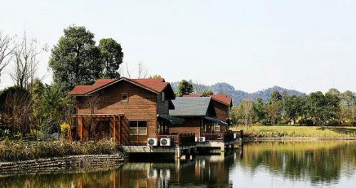 四川水上木屋