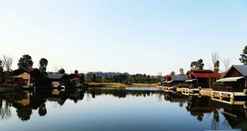 水上木屋——乐山天池庄园