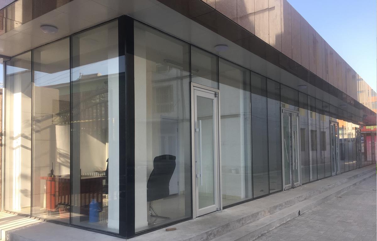 八方窗业农大东校区西门幕墙工程