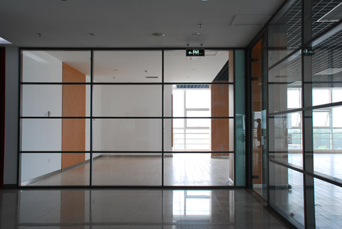 办公室隔断让你的办公环境更加舒适安逸