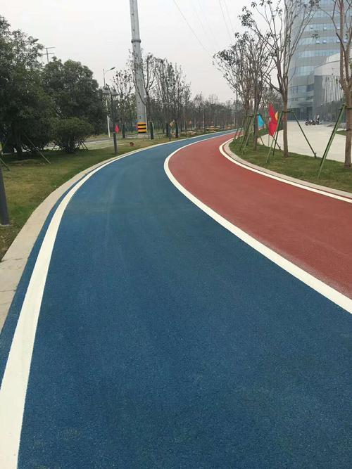 彩色沥青路面铺设效果