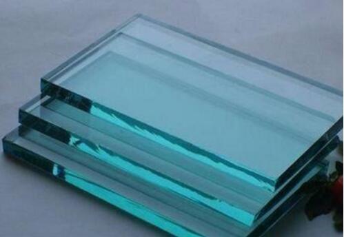 宏达小编跟你探讨西安钢化玻璃的特点