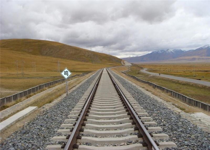 铁路上砟补砟