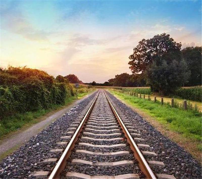 河南铁路上砟补砟:为什么铁路上有石子?