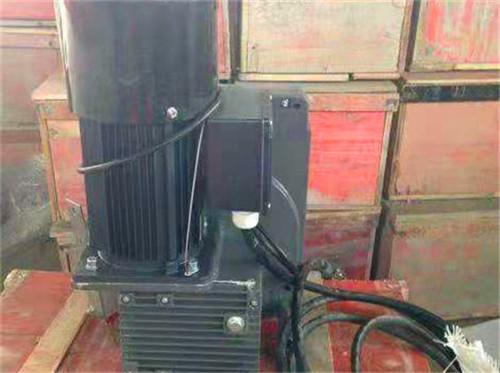 如何解决成都电动吊篮升降机运行中的漏油问题?