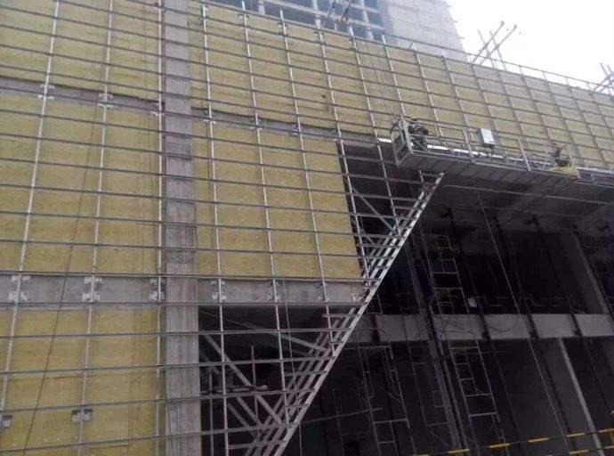 广安一品香小区底商玻璃幕墙岩棉板