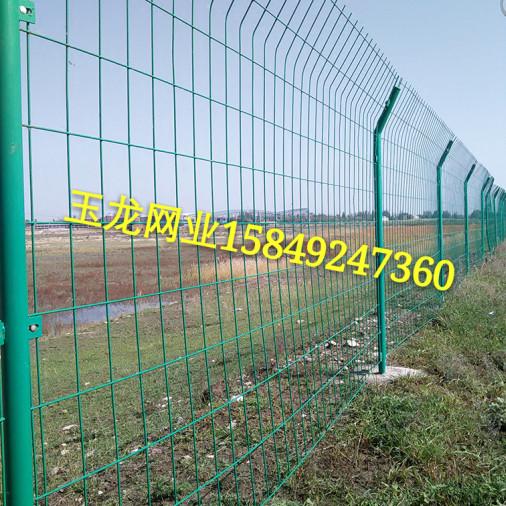 高速路护栏网安装图