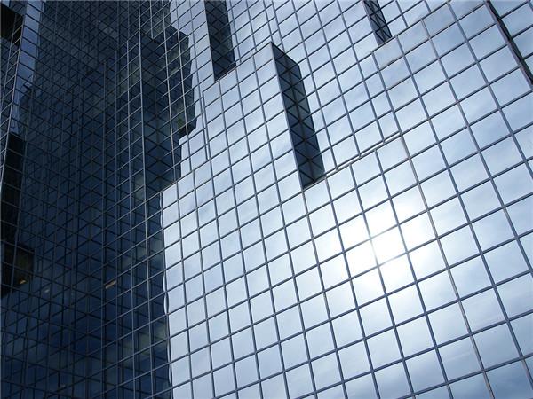 中原钢化的镀膜玻璃持久耐用,稳定性好,品质保障