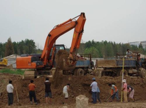 成都土石方开挖现场