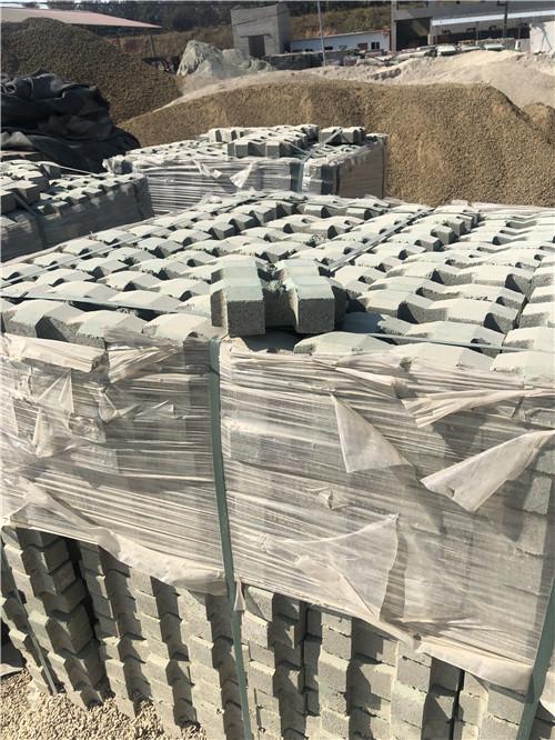 工字型的信阳护坡砖有哪些优势呢?