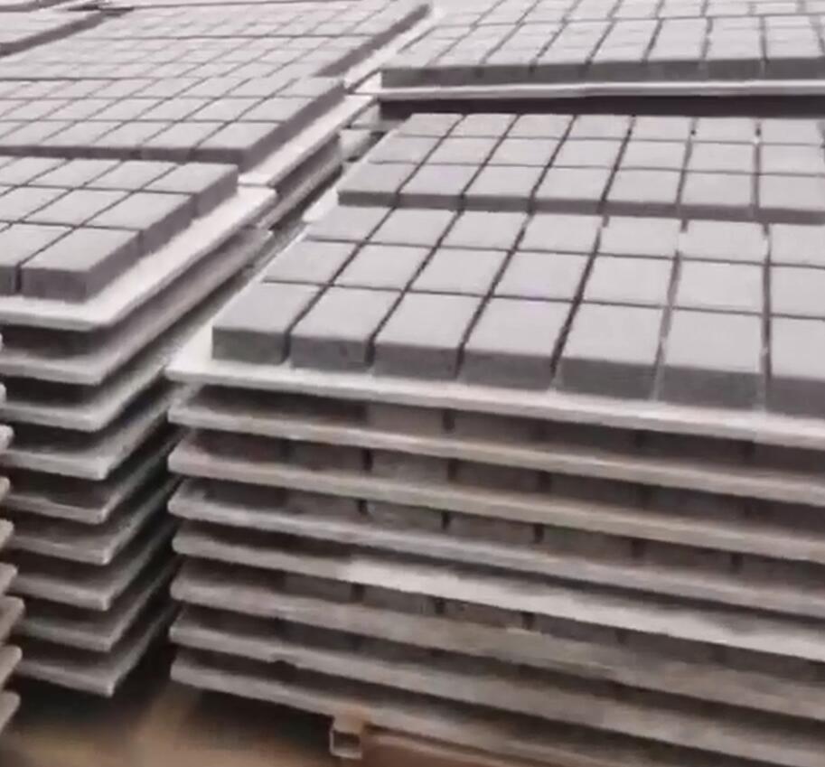 新一批砖生产中