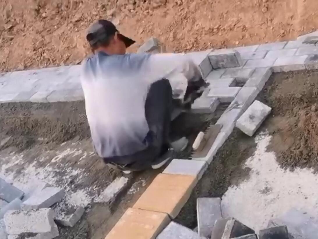 透水砖和盲道砖