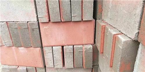 信阳透水砖生产中