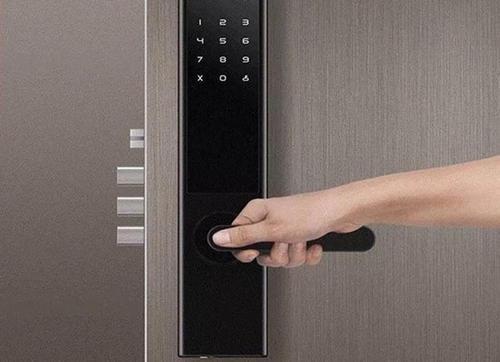 为何要选择安装智能门锁呢?