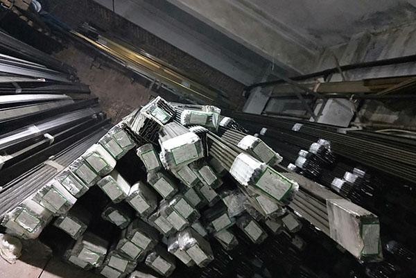 南充铝合金卷帘门厂区材料展示