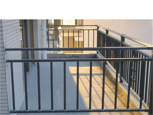 河南阳台护栏厂家告诉你新房阳台护栏要不要拆