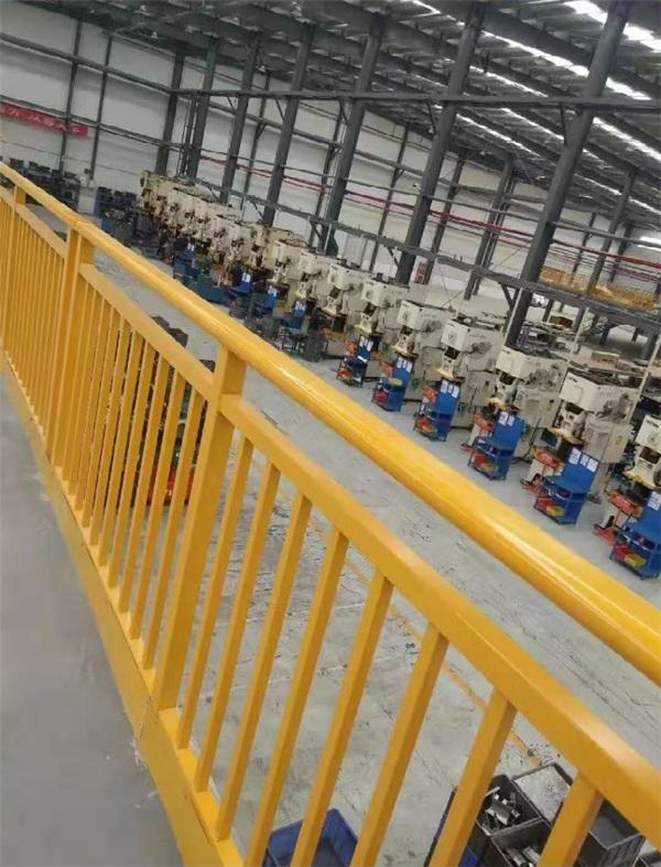 河南道路护栏生产厂家