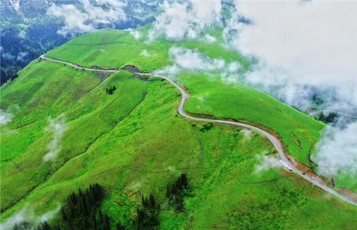 新疆是个好地方 达人西游:想自驾游 来新疆吧