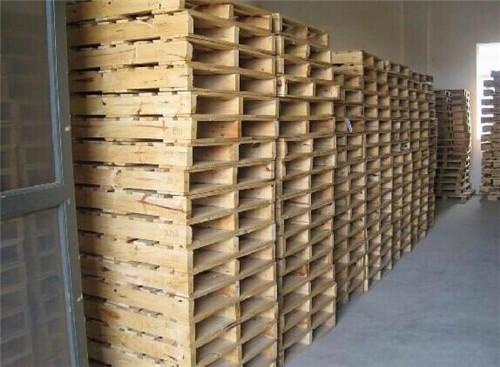 武汉实木lehuvip88厂家介绍木lehuvip88用什么木头