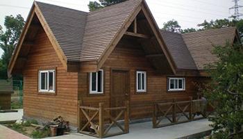 关于成都防腐木木屋设计时需要注意的事项