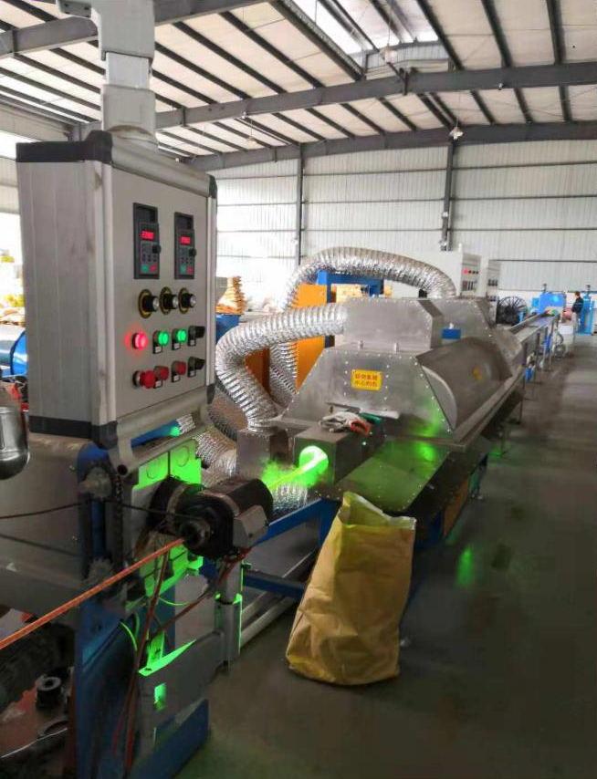 紫外光辐照绝缘生产设备