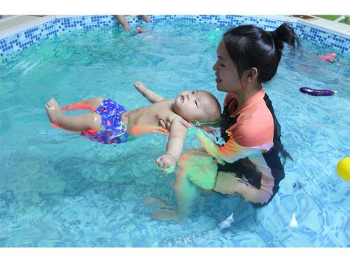 西安婴儿游泳早教
