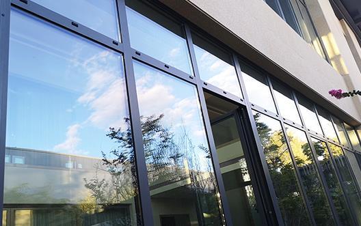 就漢中斷橋鋁門窗定製業務取的合作