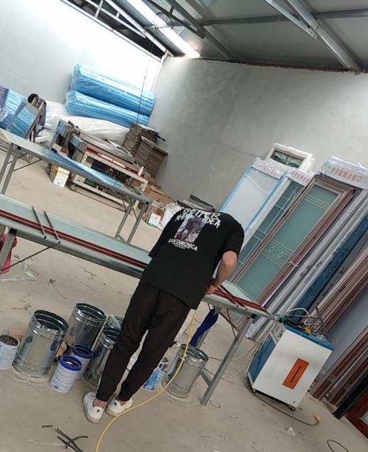 漢中衣櫃門生產加工