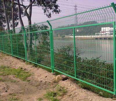 河北某铁路护栏网安装