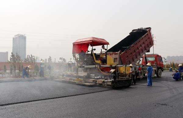 简阳沥青道路施工的路面修补标准是什么呢?