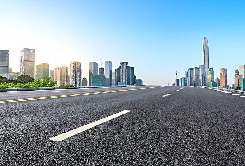 四川昱能建筑告诉你铺沥青路面有什么好处?