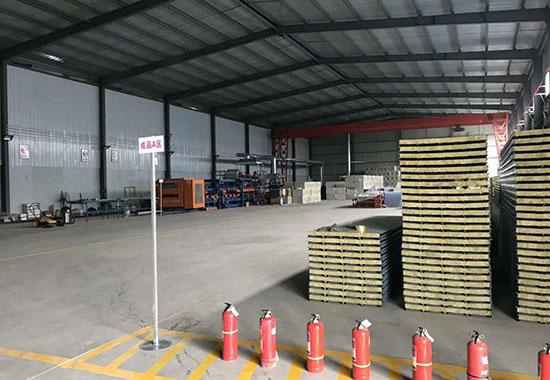 天顺钢结构板材生产车间