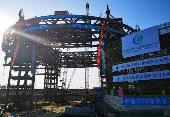 5300吨超大直径钢结构桁架在南京吊装成功