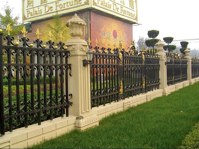 西安龙潮铁艺护栏