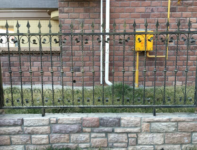 铁艺护栏生产