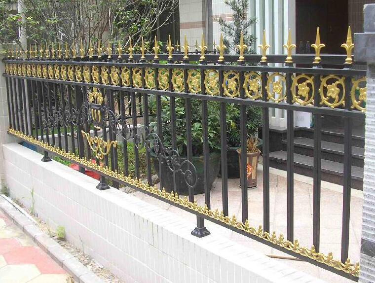 龙潮小编带来西安铁艺护栏如何做到永不生锈